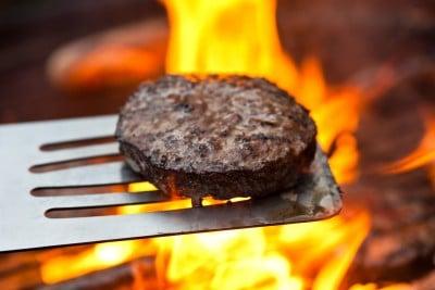 Grillmad og fødevaresikkerhed – undgå at blive syg!