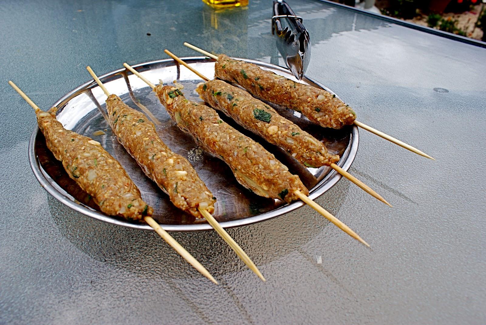 Hakket lammekød på grillspyd